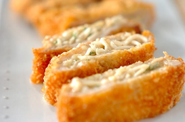 薄切り肉にもやしとチーズを挟んだかさ増しカツ。薄切り肉を使うので普通のとんかつより柔らかく、小さいお子さんでも年配の人でも食べやすくなっています。いつものカツにもやしを挟んでボリュームアップ。