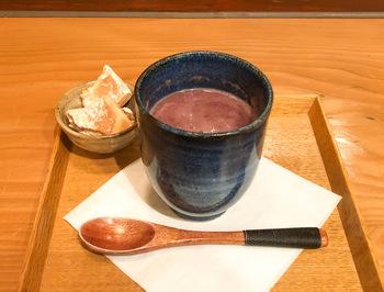 冷えた体を温めるなら、「古代米の甘酒」がおすすめ。とろりとした口当たりとほっこりした甘さに癒されましょう。