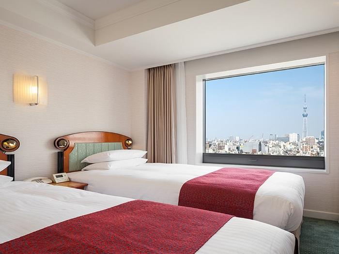 こちらの「ホテル イースト21東京(オークラホテルズ&リゾーツ)」は、ラグジュアリーな時間を過ごしたい!という方におすすめのホテルです。写真のように高級感があっておしゃれな部屋だけでなく、なんとプールつき。まるでセレブのようなひと時を楽しめちゃいますよ。