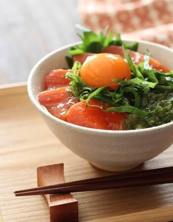 一杯で贅沢気分♪パパっとつくれてお腹も満足「海鮮系丼」レシピ