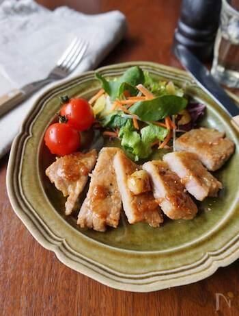 洋食に使うのが基本ですが、発酵食品である味噌となら違和感なく組み合わせることができます。お肉が柔らかくジューシーになるので、ぜひ一度試してみてください。