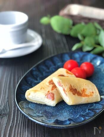 玉子焼き器で簡単に作れるブリトー。クリームチーズのトロトロ感がとってもおいしい!忙しい朝でもさっと作れちゃいます。