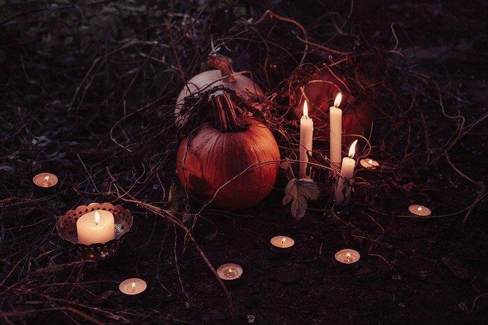 冒頭にも書いたように、ハロウィンの起源はケルト人の宗教的行事から。では彼らは、どのような音楽で収穫祭を祝ったり悪魔を祓ったりしていたのでしょうか?最後にハロウィン音楽の起源であるヨーロッパサウンドを覗いてみましょう。