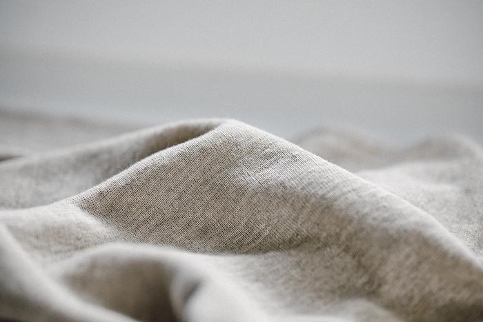 丈夫な生地のため、洗濯機で他の洗濯物と一緒に洗ってもOKなのが嬉しいポイント。より長持ちさせたい場合は、洗濯ネットに入れて洗うのがおすすめです。