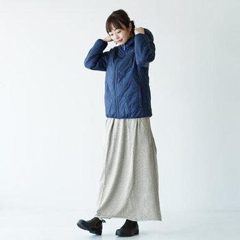 暖かくって楽ちん!体型カバーもできる【ロングスカート】の大人コーデ