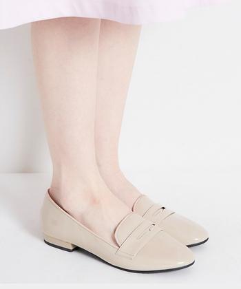 足の甲までしっかり覆うデザインだからこそ、強めの雨でも足が濡れることなく、安心。その点も大きな魅力ですね◎