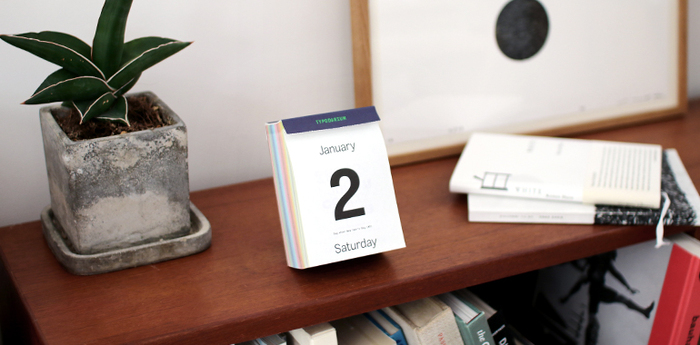 毎年出版されていますが、デザインは毎年変わっており、資料的な価値も高いそう。切り取った一枚ずつも丁寧にファイリングして見返したくなるお洒落なカレンダーなんですよ。