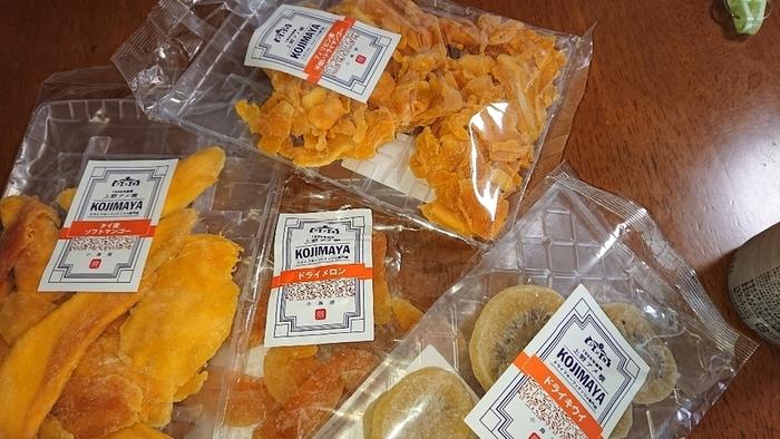 ドライフルーツは砂糖不使用のものから自然な甘みをいかしたもの、濃厚な甘みのものまで様々。好みや用途に合わせて選べますね。たっぷり1kg入ったお得な商品も!