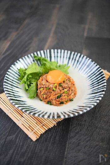 コチュジャンを使って、鯖を韓国ユッケ風に。ピリ辛でご飯にもおつまみにも合います。こちらは鯖缶を使っていますが、もちろん生鯖を使っても美味しそうですね。