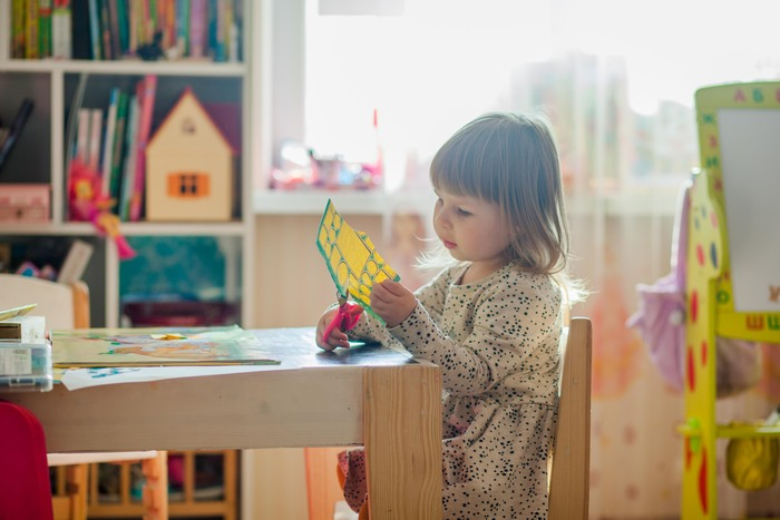 お片付けに困ってない?幼児の文房具やお絵かき帳の収納アイデア