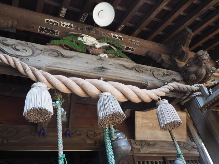 明治元年の神仏分離によって「廃寺」となりましたが、持仏は移され、「高麗神社」と改称しました。明治30(1897)年に現在の「高来神社」へと再度改称され、現在に至ります。【高来神社本殿】
