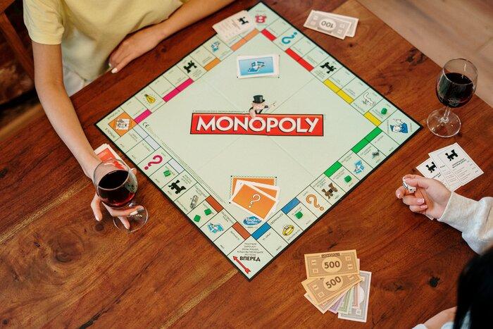 大人にこそ遊びが必要。「推理・駆け引き・柔軟性」が試されるアナログゲーム12選