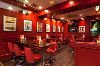 オーストラリアのシドニー郊外、グリーブという町にある「ARCHIE'S」での修行を経て、テイストや雰囲気を日本でも広めたいと思い、兄弟で始めた「ブラザーズ」。美味しすぎるハンバーガー店として有名です。