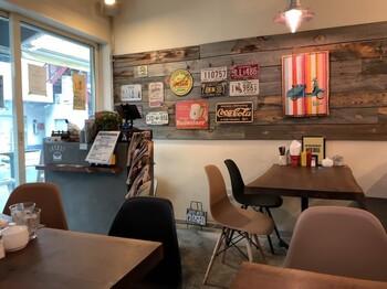 ハンバーガー好きに人気の名店「ジャック37バーガー」。オーナーは、アメリカンハンバーガーを提供するファイヤーハウスで修行をし、ジューシーでボリューミーな美味しさを引き継いでいます。