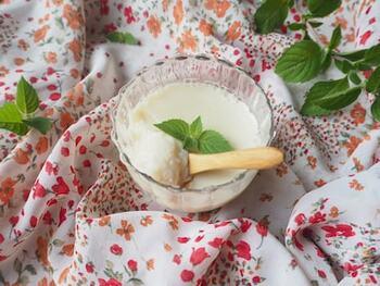 はちみつの甘味でとても食べやすい杏仁豆腐。砂糖と牛乳を使っていないので、カロリーや糖質を抑えられダイエット中の方も罪悪感なく食べられそうです。