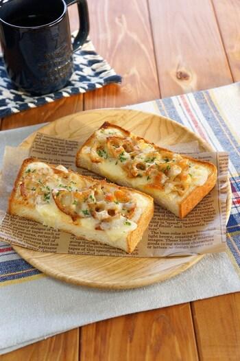 きんぴらトーストは、わが家でもよく登場するリメイクメニューです。パンと甘辛和風のきんぴら、チーズ。この相性のよさにはびっくり!試したことのない方はぜひお試しを。