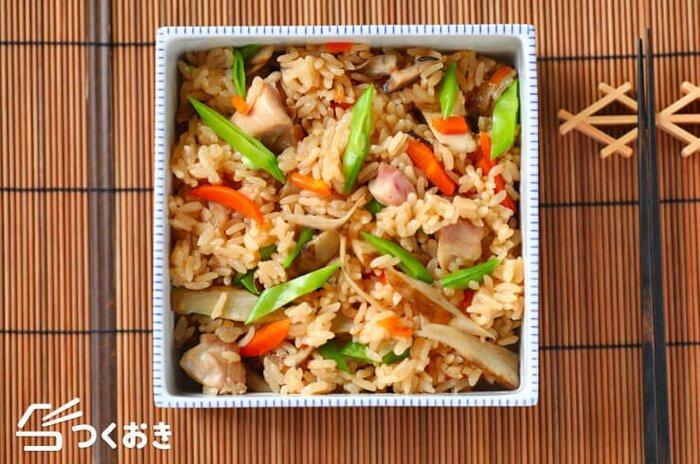 お肉も魚も野菜もたっぷり味わう◎食材の美味しさを堪能「炊き込みご飯」レシピ
