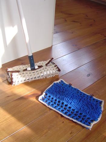 ささっとお掃除できて便利なクイックルワイパー。ニットでぞうきんを作って、よりエコなお掃除を目指してみませんか?