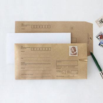 一般的に広く使用されている、長3封筒サイズのクラフト封筒。クラシックな雰囲気を感じさせるデザインは、受け取ったときに相手をワクワクさせられそうですよね♪