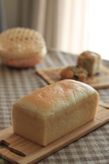 新潟と熊本県の米粉と天然酵母で作るパンは、しっとりもっちり食感が特徴。保存料や添加物を使っていないので、小さなお子さんがいる方への手土産にも良さそう。