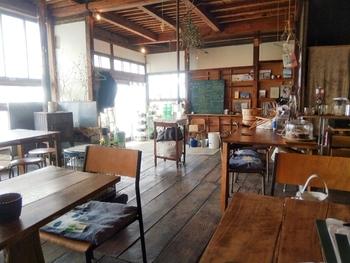 日本を愛するカナダ出身の店主さんがオープンした、「Eric's Kitchen」。先ほどご紹介した「マスヤゲストハウス」内でイベントとしてカフェをオープンされていましたが、何度か遊びに来るうちにこの街の魅力に惹かれて移住され、2016年3月にご自身のお店を下諏訪にオープン。