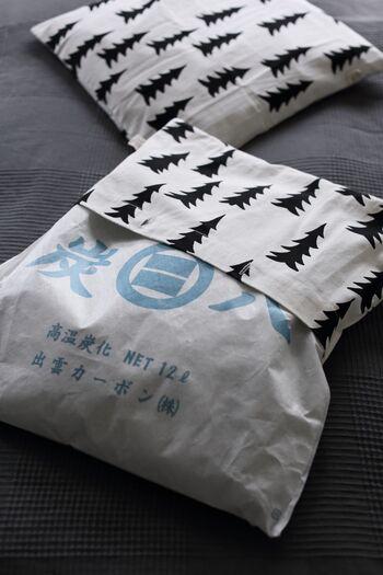 炭をそのまま置いておくと生活感が気になるという方は、おしゃれな布に包むのはいかがでしょうか?