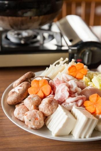 定番の鍋に飽きたら作りたい《トマト・ミルク・カレー・チーズ》鍋レシピ