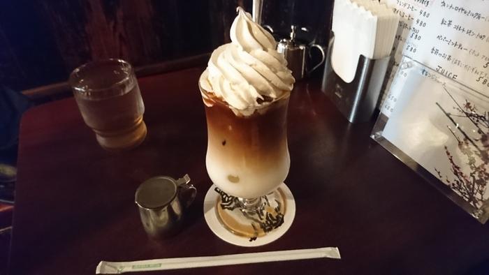アイスがお好みなら、ウィンナーカフェオレをどうぞ。食後のデザート代わりに注文する方も多いんだとか♪
