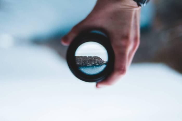 人として真摯に耳を傾けるのと同時に、「多角的な視点を手に入れる」という観点をもって俯瞰してその言葉を観察してみると、「なるほど、そういう見方があるのか!」と客観的に捉えるいいチャンスになることも多いものです。