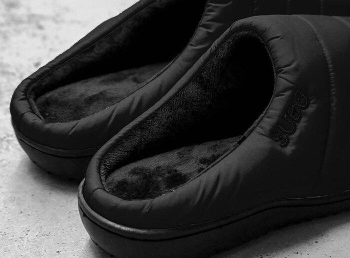 内側が起毛加工された4層構造のインソールでクッション性も良く、素足でも履けちゃう優しい履き心地。