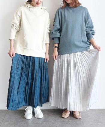 ほどよくフェミニンが素敵♪「スウェット」×「スカート」でつくるMIXコーデ