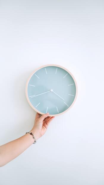 過去で止まった自分の時計を動かそう。心を解放する9つのステップ