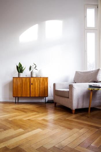 きれいをキープするコツはどれもシンプルなものばかり。コツコツ続けていればお部屋の散らかりはぐっと減らせます。あなたもぜひ、気持ち良く暮らすための小さな習慣を身につけてみませんか?