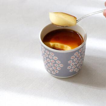 marimekkoのラテマグはレンジや食洗機はもちろん、オーブン調理が可能。ひとり分のキッシュを焼いたり、プリンや茶碗蒸しなど調理にも使える優れもの。