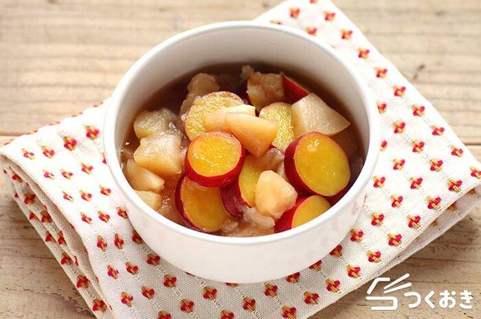 こちらは、りんごだけでなくさつまいもも加えた甘煮のレシピ。冷蔵庫で7日ほど保存できて、お弁当のおかずにも使える便利な一品です。煮るときには、味を全体に染み込ませるため、フライパンや広口のお鍋を使うと良いのだそう。冷ましてから、煮汁ごと保存しましょう♪