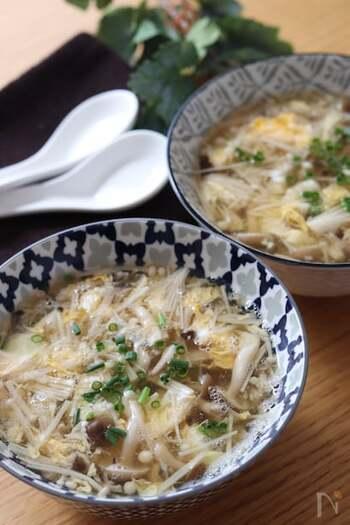 疲労回復効果を期待できるきのこ類の栄養素をとろみで閉じ込めた温活スープです。保温力に優れたとろみのあるスープは、冷え性の方はもちろん寒さが厳しい日にぜひおすすめしたい1杯。