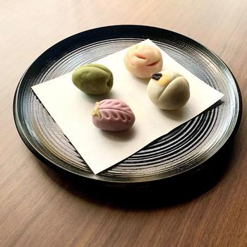 美味しいお茶のおともに、甘くてキュートな和菓子はいかがでしょうか?季節のナチュラル和菓子4種類が、おうちで簡単に作れるキットです。