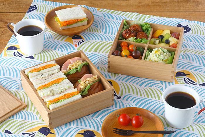 お皿の代わりとしてカジュアルに使えます。パンや洋風のおかずを入れても違和感なく馴染みますよ。お庭や公園でのピクニックに持って行くのも良いですね♪
