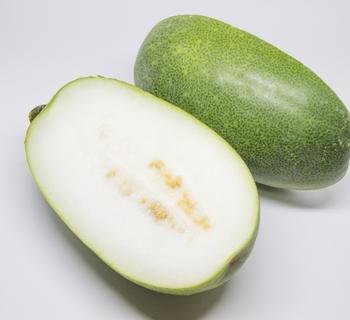 ・濃い緑色が鮮やかなもの ・切り口が瑞々しく、白いもの ・種までしっかりと詰まっているもの