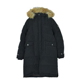 寒い時期には欠かせないアイテム「ダウンコート」。暖かいので薄手のワンピースにも合わせることができますよ。着ぶくれしないように丈感やバランスに気を付けるのがポイントです。