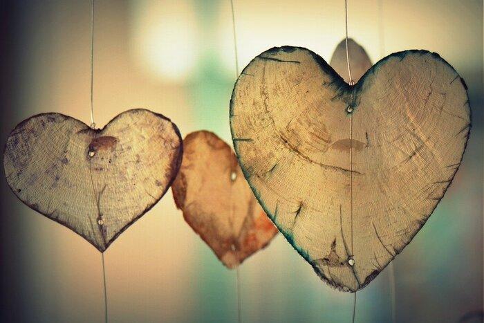 決して甘いだけではない恋愛物語が11編、さまざまな関係性で描かれています。はたから見ると滑稽でも2人にとって当たり前なもの、それでいて優しい。愛の正しいカタチなんて誰も分からない。分からないからこそ、より強く深くなっていくのかもしれません。