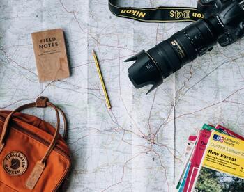 急転直下の世界的ハプニングで、思い通りに旅するのが難しくなった今日この頃。特に「海外旅行」に関しては、より計画が立てにくい日々です。  でも、なかなか旅立てない今だからこそ、これまで知らなかった場所にまで興味を広げて、「次はどこに行こうか?」とじっくりとプランするための時間がある、と前向きにとらえることもできるのかも…。