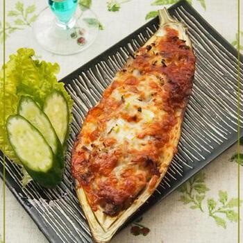 大きな米茄子ならでは、中身をくりぬいて器代わりに!器ごと食べられちゃいます♪サバの缶詰を使って簡単に美味しい料理に変身!