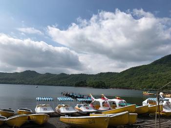 足漕ぎボートのほか、手漕ぎボートもありますよ。ワカサギボート釣りを実施していることもあります。