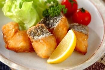 魚へんに雪と書くタラは、冬の魚の代名詞。淡白な白身をしょうがとにんにくで味付けしたら、ご飯が進むおかずに大変身です。