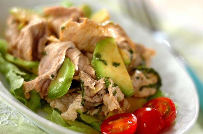 豚シャブを大葉で爽やかに。お野菜もたくさん食べられるヘルシーだけど、食べ応えもある一皿で、ダイエット中の方にもおすすめです。