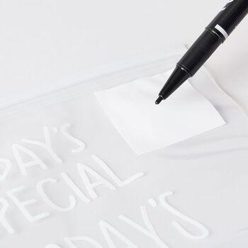 白枠部分には、メモや日付を書くことができます。友人にお菓子などをおすそ分けするときに、メッセージを一言書いてもいいですね。