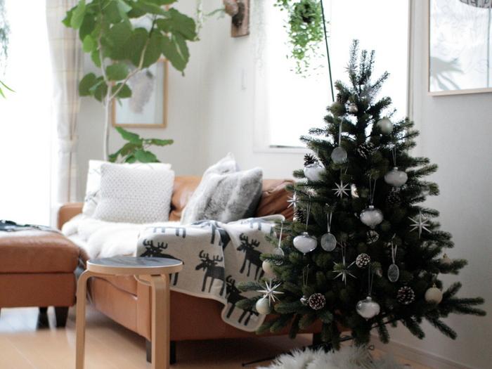省スペースでも楽しめる【クリスマスツリータペストリー】