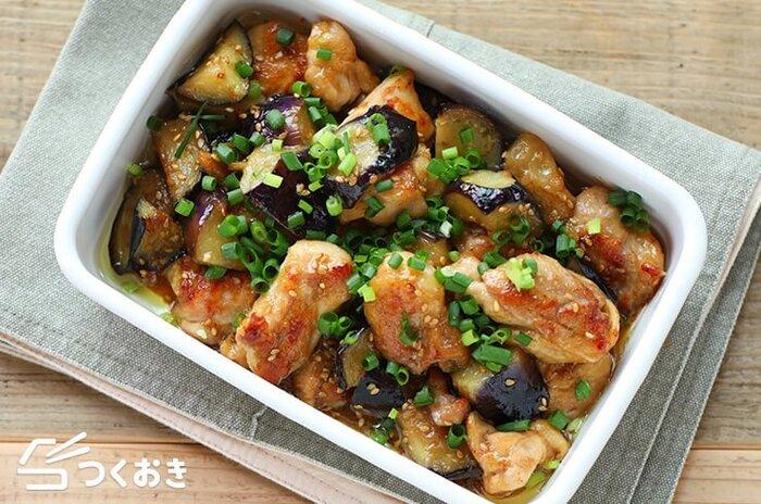 さっぱりしているけどコクもある、鶏肉となすのしょうが炒め。お酢が入っているから日持ちもしますし、冷めてもおいしいからお弁当にもぴったりです。