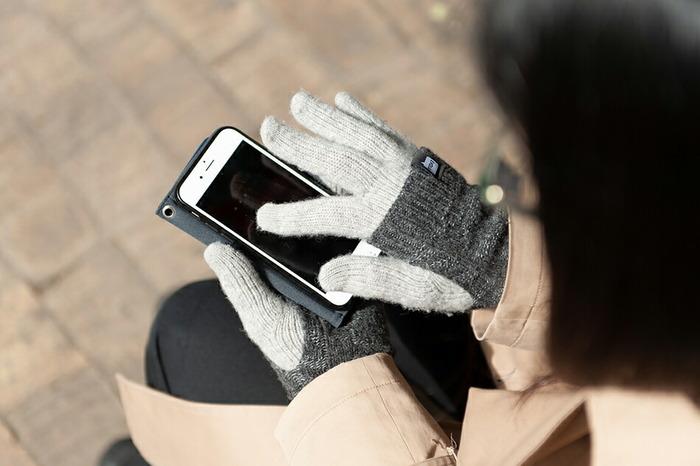デザインの良さだけでなく、企画から製造、梱包の全工程を日本国内で行っている安心の日本製。スマートフォンなどのタッチパネルに対応しており、特許取得の「Slide-Tec(スライドテック)」の技術により、ピンポイントに細かな操作をすることができストレスフリーで使えます。